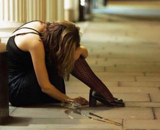 При хроническом алкоголизме, алкоголь и его метаболиты, вредно воздействуя на формирование сердечно-сосудистой системы,