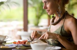 Приучаемся кушать меньше.