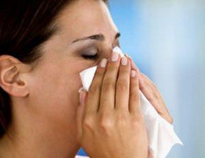 Вылечить насморк витаминами невозможно