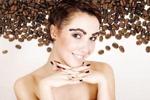Кофе и сахар в косметичке восточной красавицы