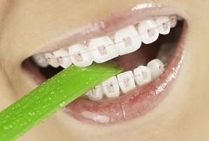 Как выглядеть моложе? Подсказки от стоматолога.