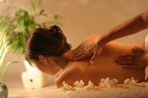 Делаем расслабляющий массаж на массажном столе
