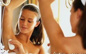Как устранить запах пота?