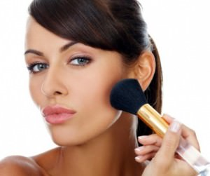 Как наносить повседневный макияж?
