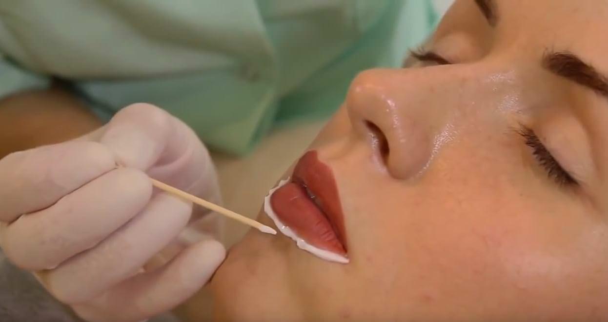 как правильно делать татуаж губ
